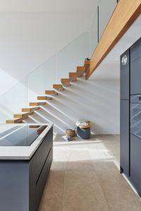 cantileverd stairs